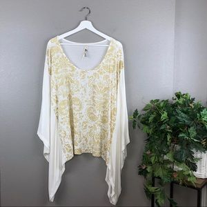 Seven7 Cream Gold Floral Print Batwing Blouse